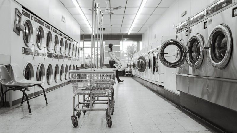 Как постирать пиджак в стиральной машине?